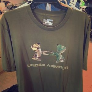 Olive Green camouflage Under Armour t-shirt